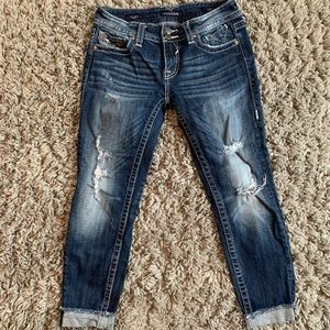 Vigoss distressed capris!
